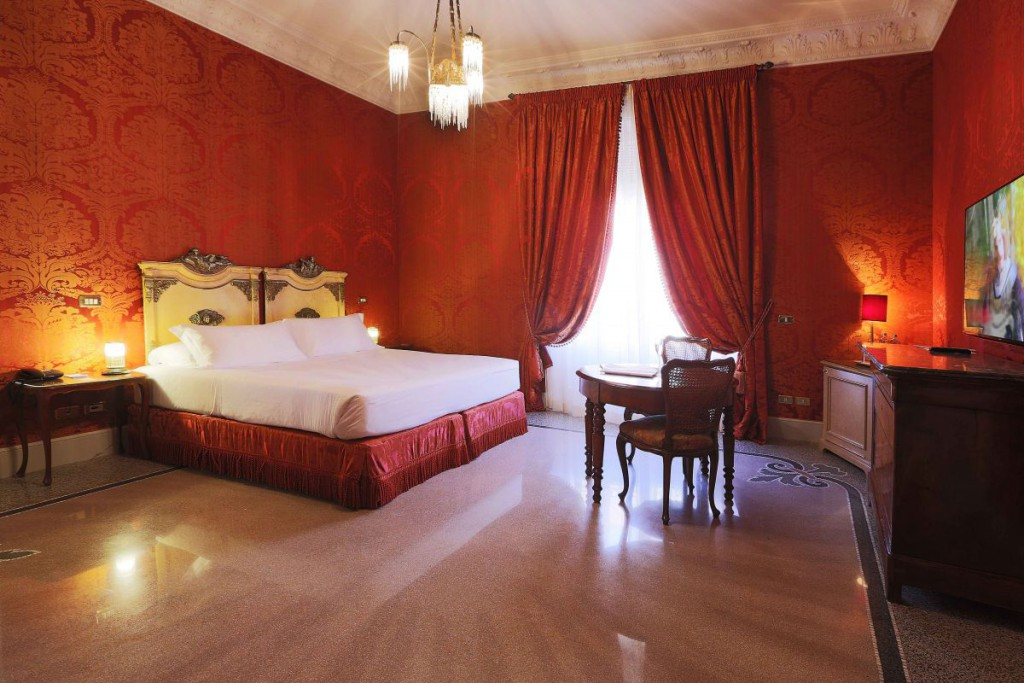 Red room rome